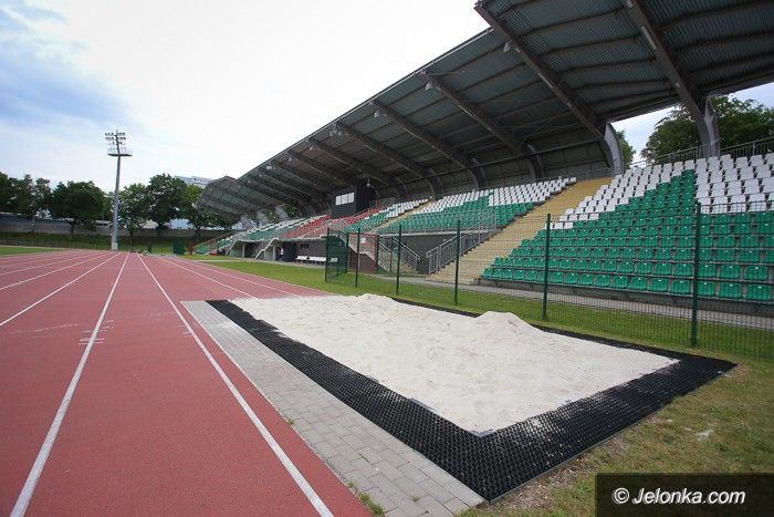 Jelenia Góra: Przygotowują stadion na Młodzieżowe Mistrzostwa Polski
