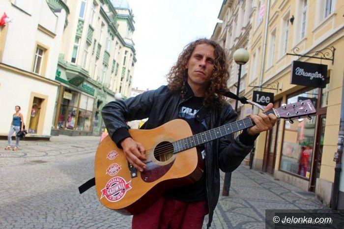 Jelenia Góra: Gitara Staszka Nagajka w nowych rękach