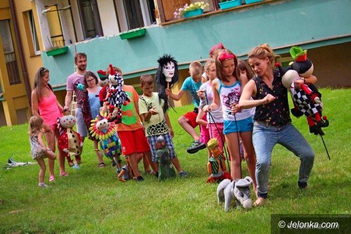 Jelenia Góra: Czeskie bajki i sztuczki cyrkowe na podwórku