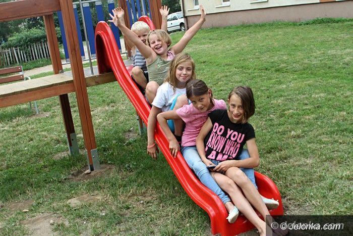 Jelenia Góra: Nowy plac zabaw tuż przed odbiorem