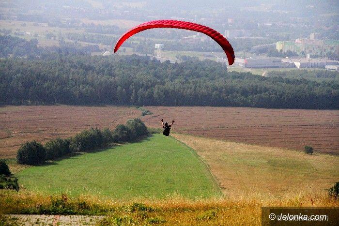 Region: Paralotniarze opanowali Górę Szybowcową