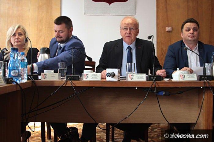 Jelenia Góra: Po sesji rady powiatu: Sprawa absolutorium trafi do sądu