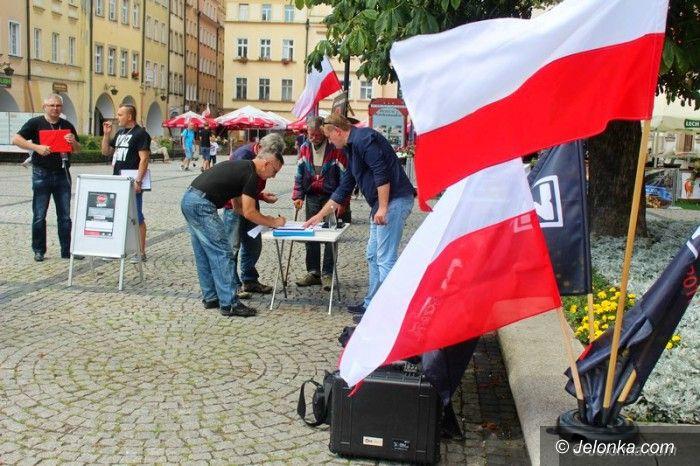 Jelenia Góra: Chcą referendum w sprawie uchodźców