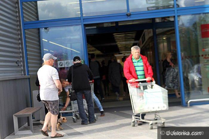 Jelenia Góra: W poniedziałek sklepy będą zamknięte? Sprawdzi to PIP