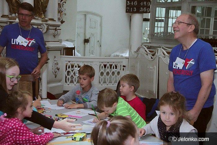 Jelenia Góra: Półkolonie z amerykańskimi wolontariuszami