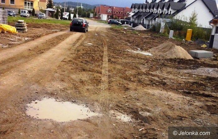 Jelenia Góra: Zdewastowano tymczasową drogę. Co dalej?