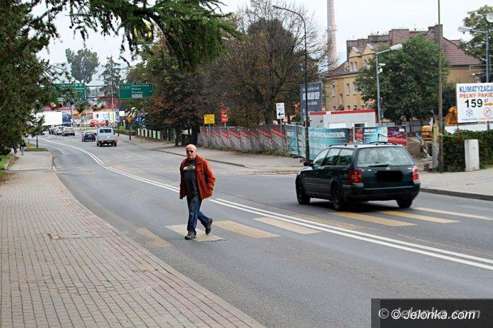 Jelenia Góra: Czytelnik: Kiedy znikną niebezpieczne pasy?