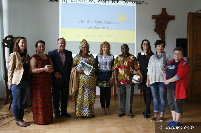 Jelenia Góra: Goście z Rwandy w Rzemiosłach