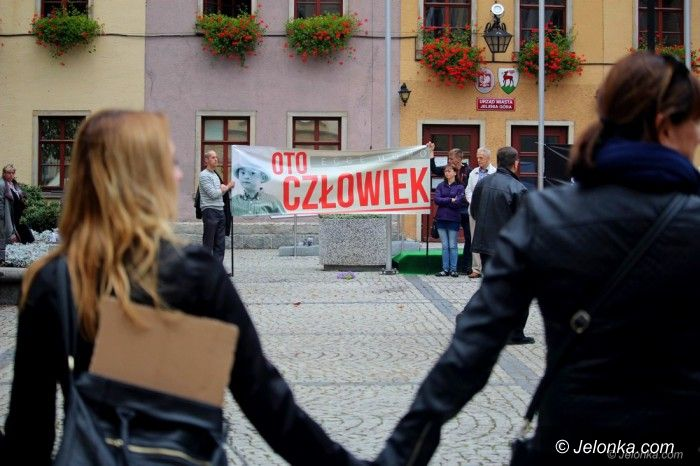 Jelenia Góra: Krótkie spięcia na demonstracji ws. aborcji