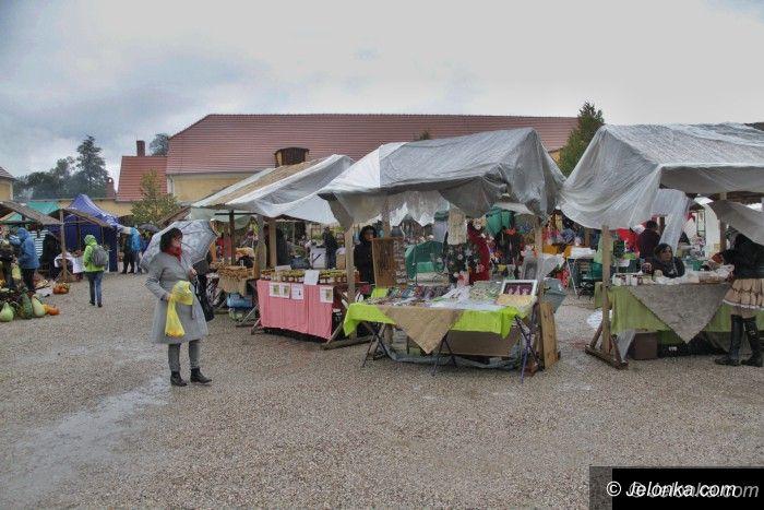Region: Trwa Kiermasz Dożynkowy w Łomnicy