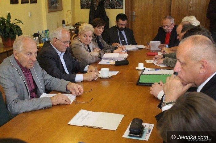 Jelenia Góra: O czynszach dzisiaj komisja, a co jutro na sesji?