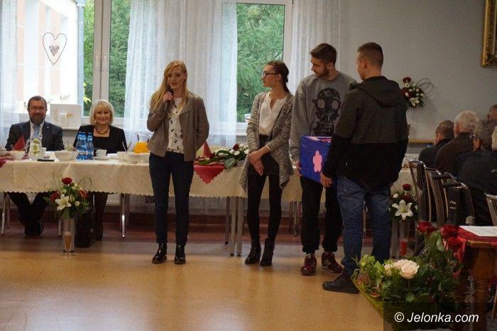 """Jelenia Góra: """"Mechanik""""z niespodzianką dla seniorów"""