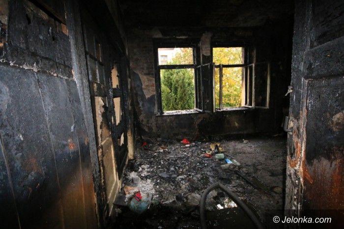Jelenia Góra: Pożar na Wańkowicza. Cztery osoby poszkodowane (aktualizacja)