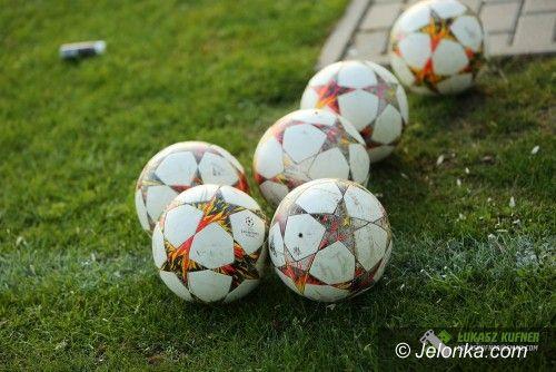 IV liga piłkarska: Beniaminek sprawdzi siłę spadkowicza