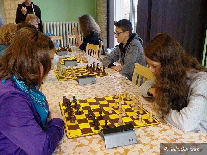 Jelenia Góra: Gimnazjaliści walczyli na planszach szachowych