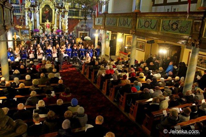 Jelenia Góra: Wspaniały koncert pieśni patriotycznych