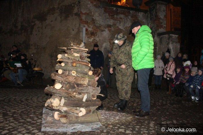 Jelenia Góra: Wieczorne spotkanie przy Ognisku Patriotyzmu