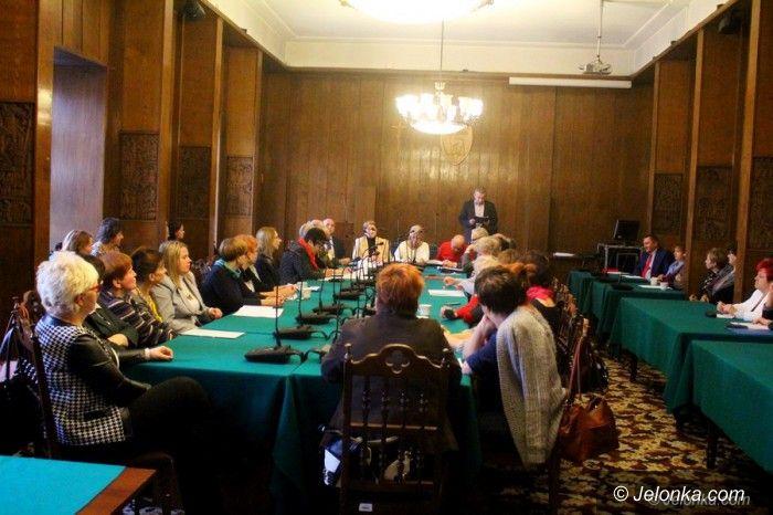 Jelenia Góra: Komisja oświaty wsłuchała się w głosy księgowych