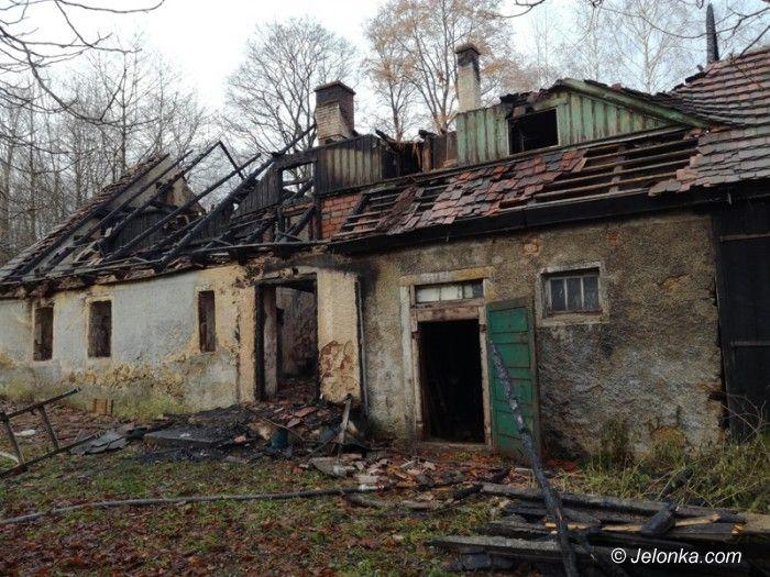 Region: Tragiczny pożar w Chromcu. Spłonął 64–latek