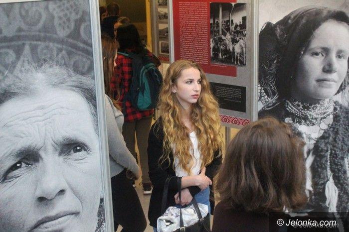 Jelenia Góra: O historii życia pomijanego pisarza w Książnicy