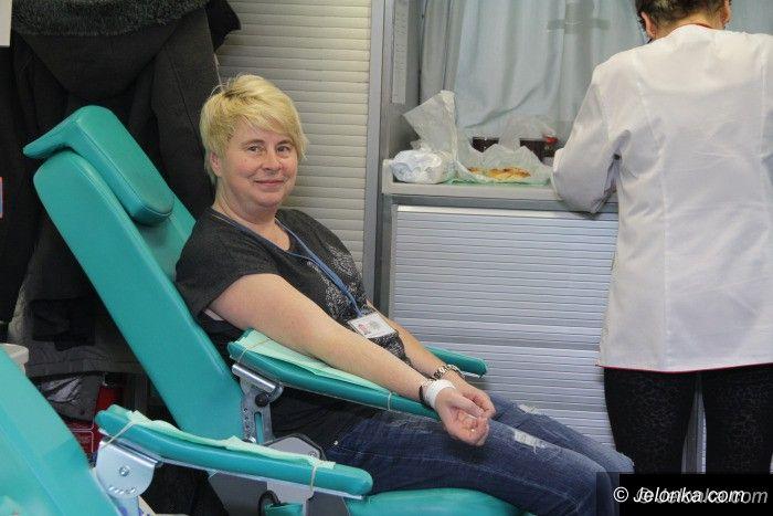 Jelenia Góra: Funkcjonariusze oddali krew dla potrzebujących dzieci
