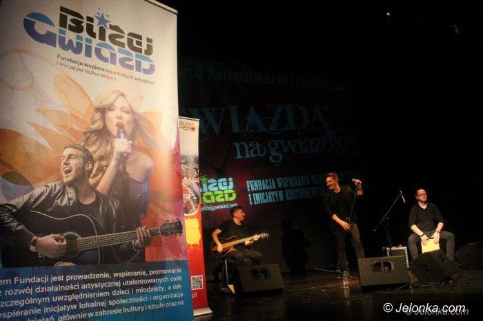 Jelenia Góra: Młode talenty i Antek Smykiewicz – na gwiazdkę
