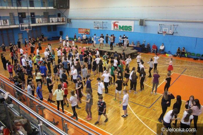 Jelenia Góra: Szalona zumboteka gimnazjalistów