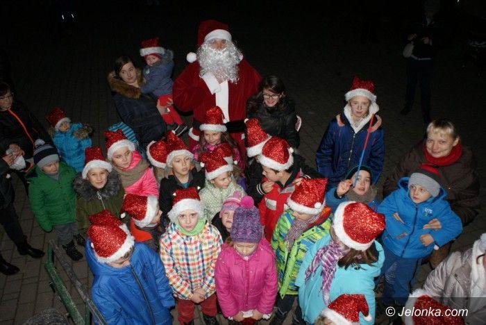 Jelenia Góra: W Goduszynie bawili się z Mikołajem