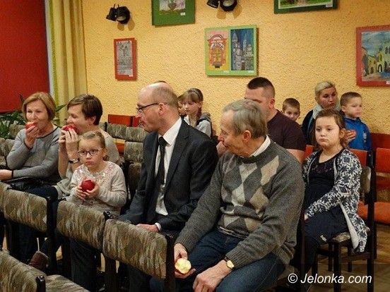 Jelenia Góra: Spotkanie sympatyków czworonogów w MDK