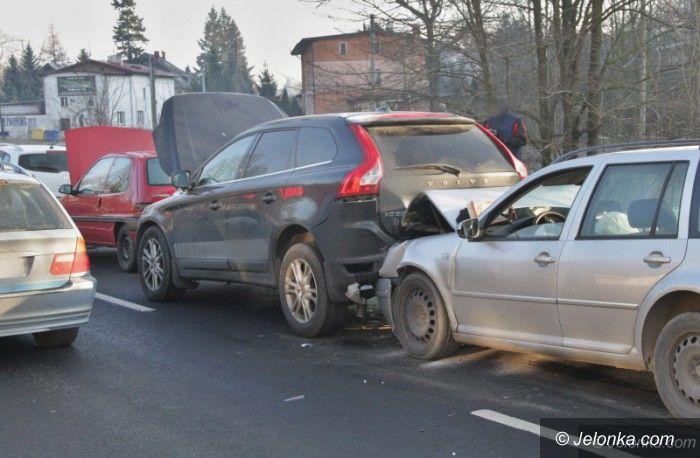 Jelenia Góra: Kolizja czterech aut na Wrocławskiej
