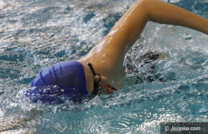 Jelenia Góra: Ścigali się pływacy ze szkół średnich i gimnazjalnych