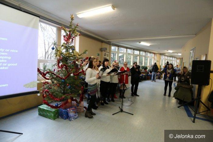 Jelenia Góra: Świąteczne warsztaty dla gimnazjalistów z żywą szopką