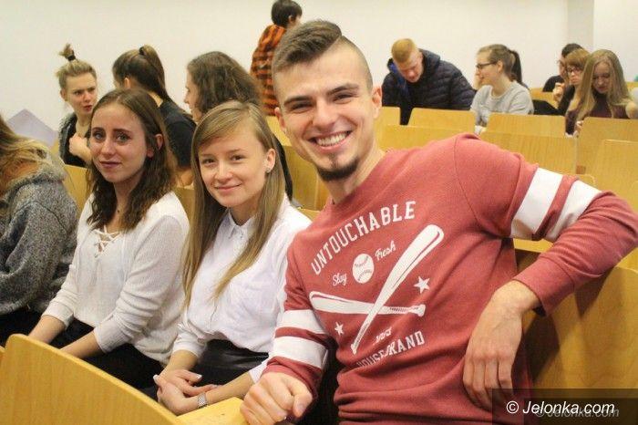 Jelenia Góra: Studenci poznawali swoje prawa i obowiązki