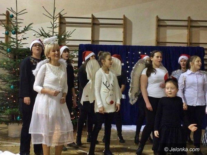 Jelenia Góra: Tłumy na Kiermaszu Bożonarodzeniowym w Sobieszowie!