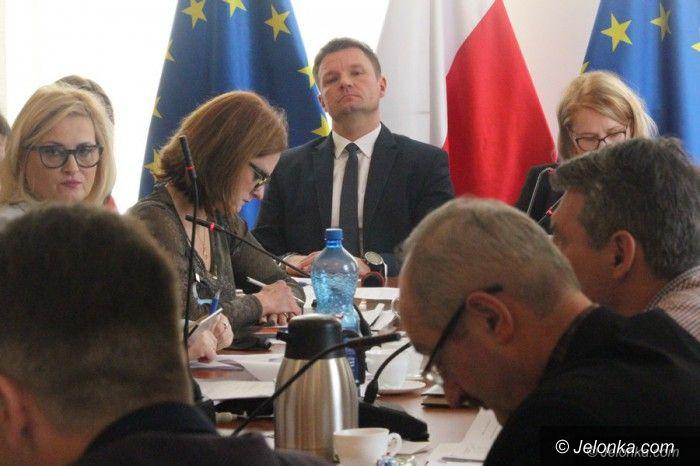 Karpacz: W Radzie Karpacza poziom dyskusji sięga bruku