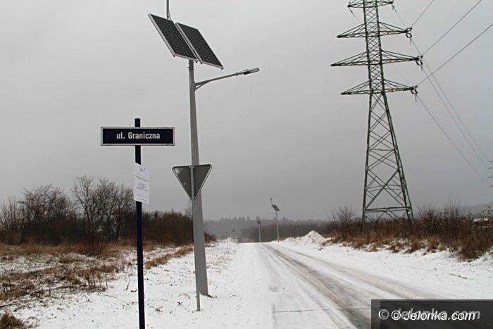 Region: Droga z nowoczesnym oświetleniem, ale do połowy