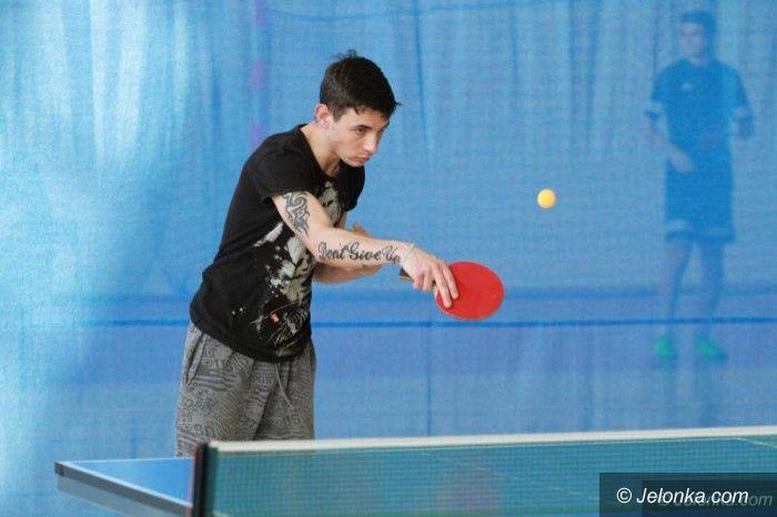 Jelenia Góra: Turniej szkół średnich w tenisie stołowym