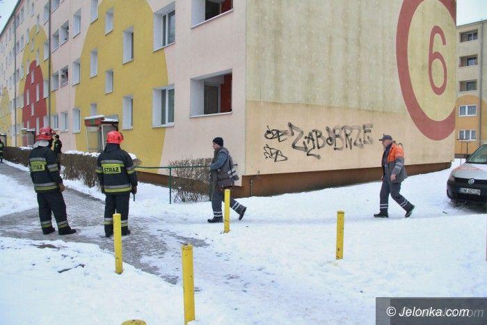 Jelenia Góra: Ewakuacja mieszkańców bloku przy Szymanowskiego