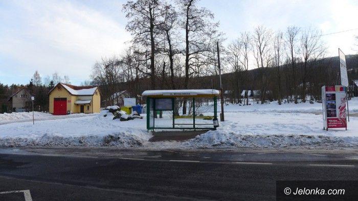 Jelenia Góra: Parking przy Domu Hauptmanna w śniegu!