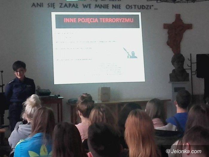 Jelenia Góra: Rozmowy z młodzieżą o terroryzmie