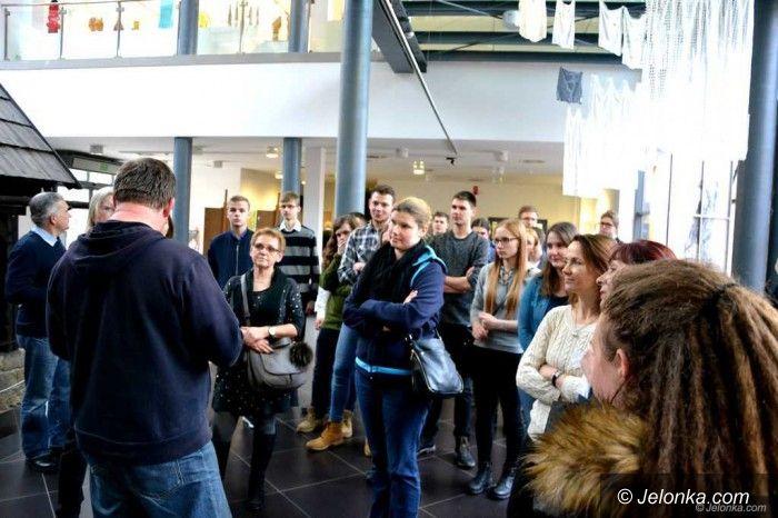 Jelenia Góra: Licealiści z regionu zwiedzali Muzeum Karkonoskie