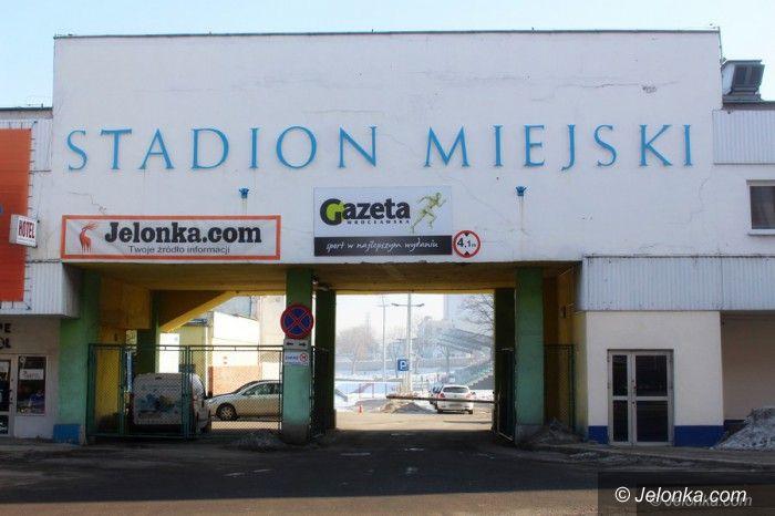 Jelenia Góra: Stadion doczeka się sztucznej murawy?