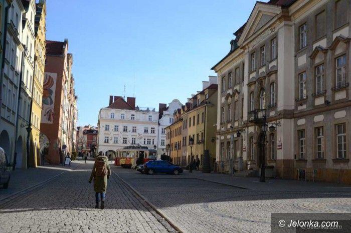 Jelenia Góra: Jeleniogórzanie o NFZ w swoim mieście