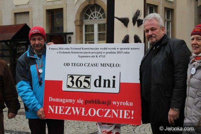 Jelenia Góra: Chcą niezwłocznej publikacji wyroku TK