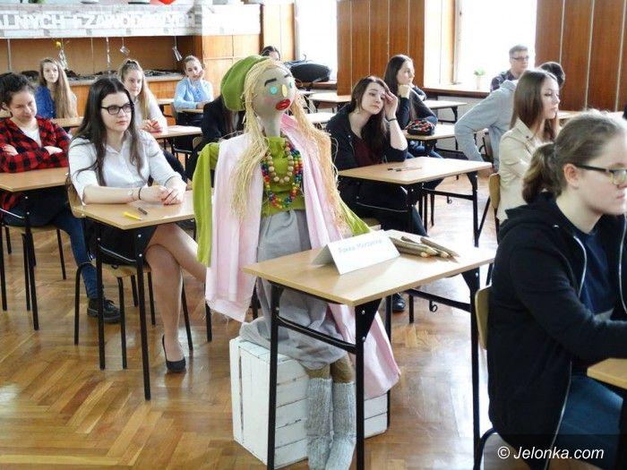 """Jelenia Góra: """"Dyktando z wiosną w tle"""