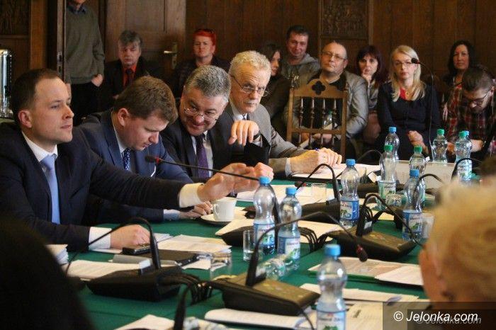 Jelenia Góra: Radni zdecydowali, że nie chcą na Zabobrzu SP 4