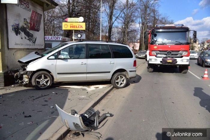 Jelenia Góra: Zderzenie trzech aut na Wolności