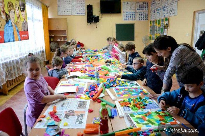 """Jelenia Góra: """"Barwne przenikanie""""– bezpłatne warsztaty w ODK"""