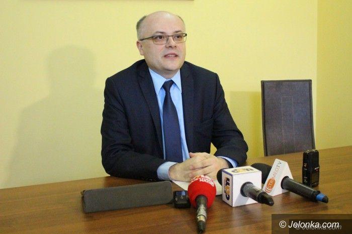 Jelenia Góra: Senator Mróz o finansach na remonty i nazwach ulic