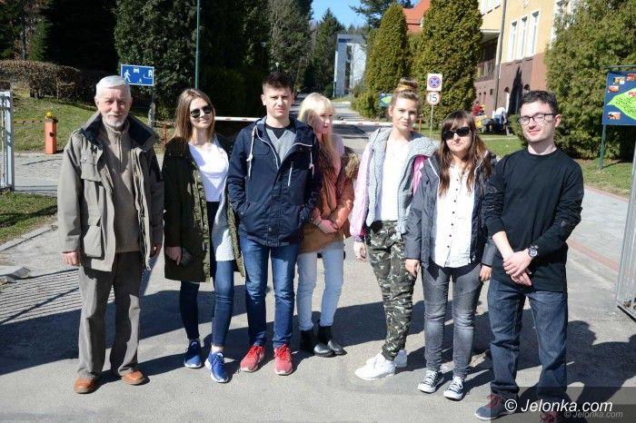 Jelenia Góra: Studenci dziennikarstwa poznawali historię regionu